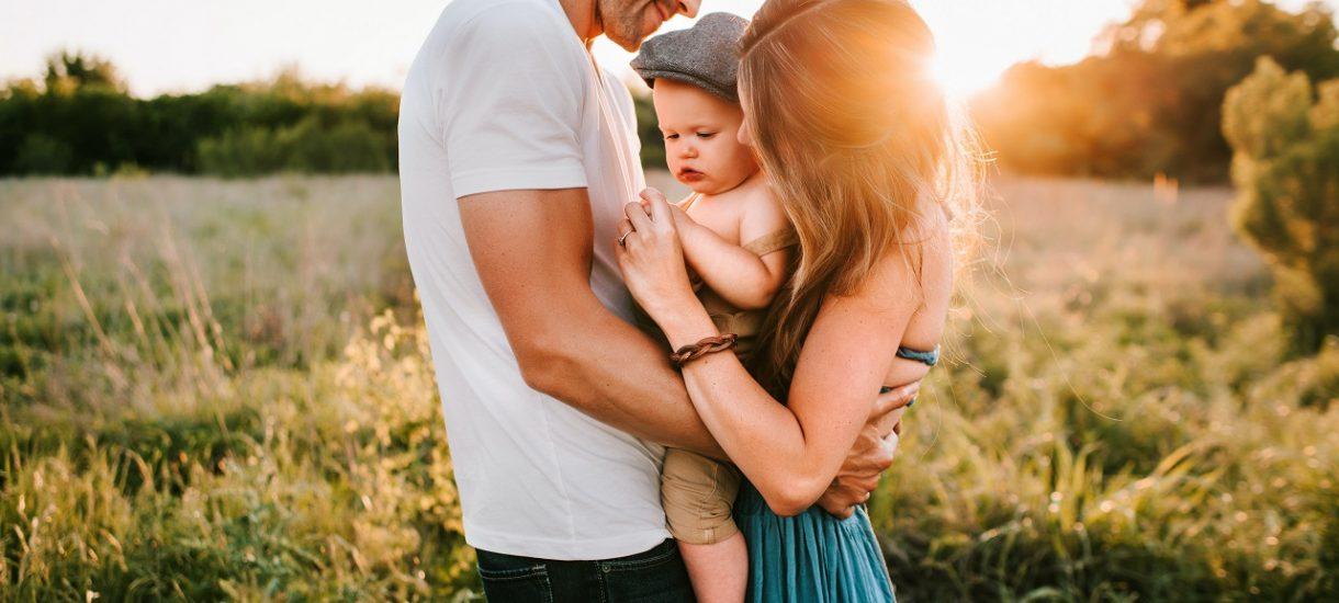 Rząd rozważa możliwość skrócenia rocznej opieki nad dzieckiem po porodzie o dwa miesiące