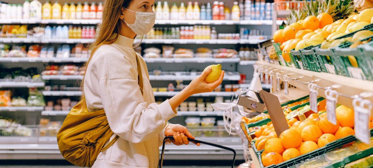 Nie masz maseczki w sklepie? Sprzedawca może cię nie obsłużyć i ma do tego pełne prawo