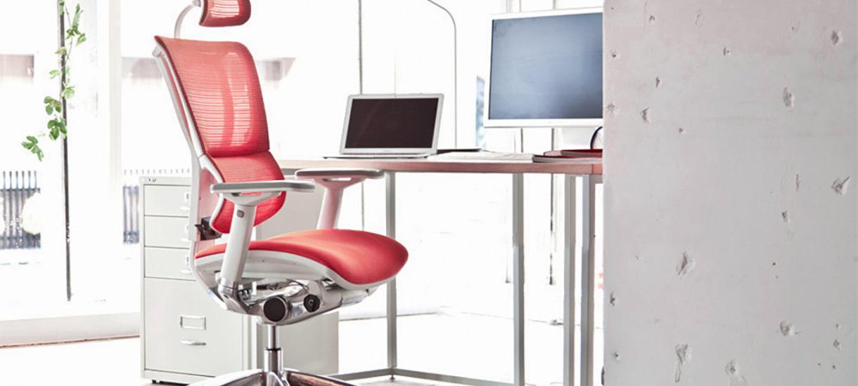 Fotel do biura – jak wybrać odpowiedni model, by zdrowo siedzieć