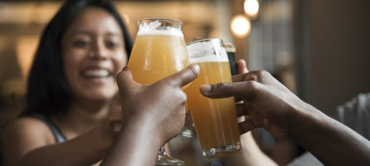 Poselska inicjatywy ma pozwolić Polakom kupować piwo przez internet. Tyle tylko, że już teraz jest to jak najbardziej możliwe