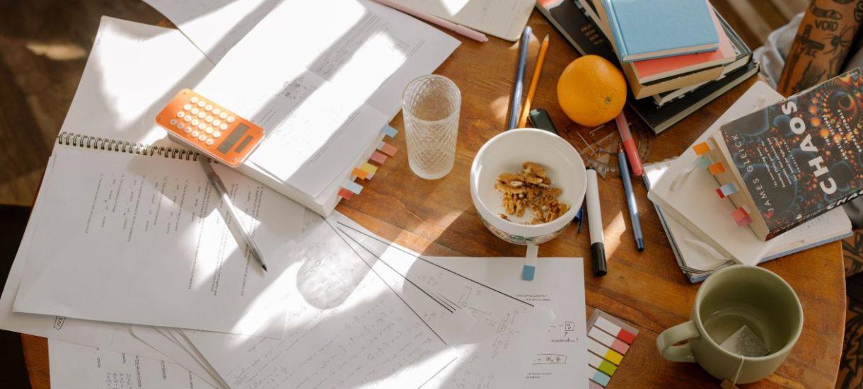 Czy pracownik może korzystać w domu z dokumentów, na których znajdują się dane osobowe?