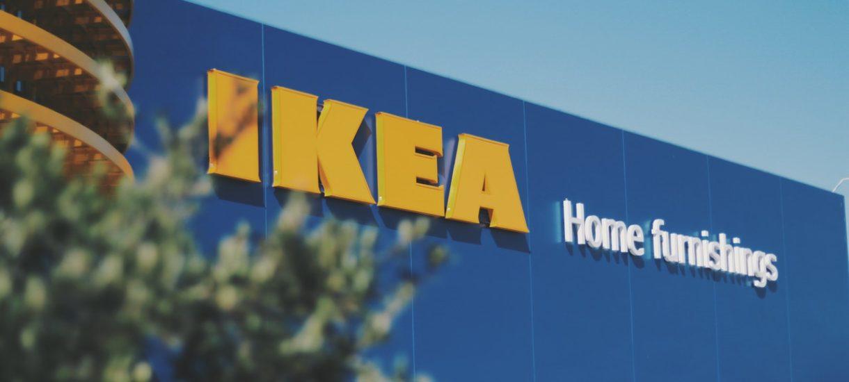 Ochrona IKEA wyrzuciła Tomasza Karolaka ze sklepu. Stwierdził, że nie będzie nosić maseczki, bo jest zdrowy