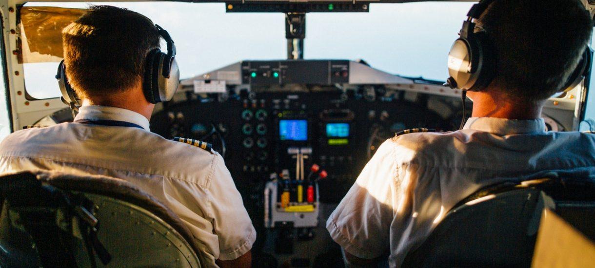 Jeśli chcesz być pilotem, nie musisz kończyć specjalnej szkoły czy kursu na licencję. Wystarczy, że skończysz… prawo