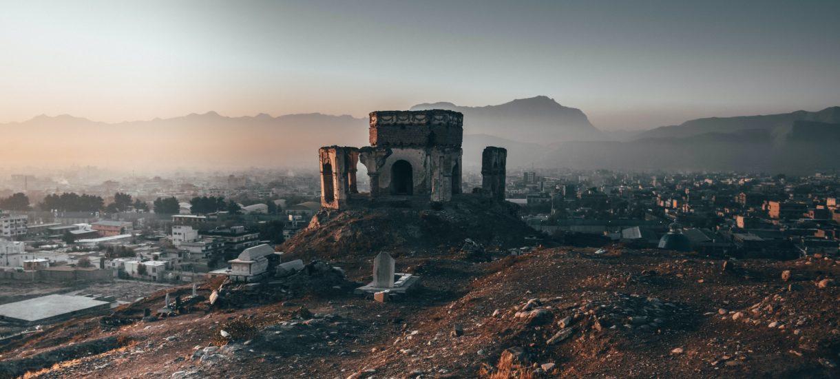 Sytuacja w Libanie po wtorkowym wybuchu jest wręcz dramatyczna – port w Bejrucie był filarem i tak chwiejącej się gospodarki tego państwa