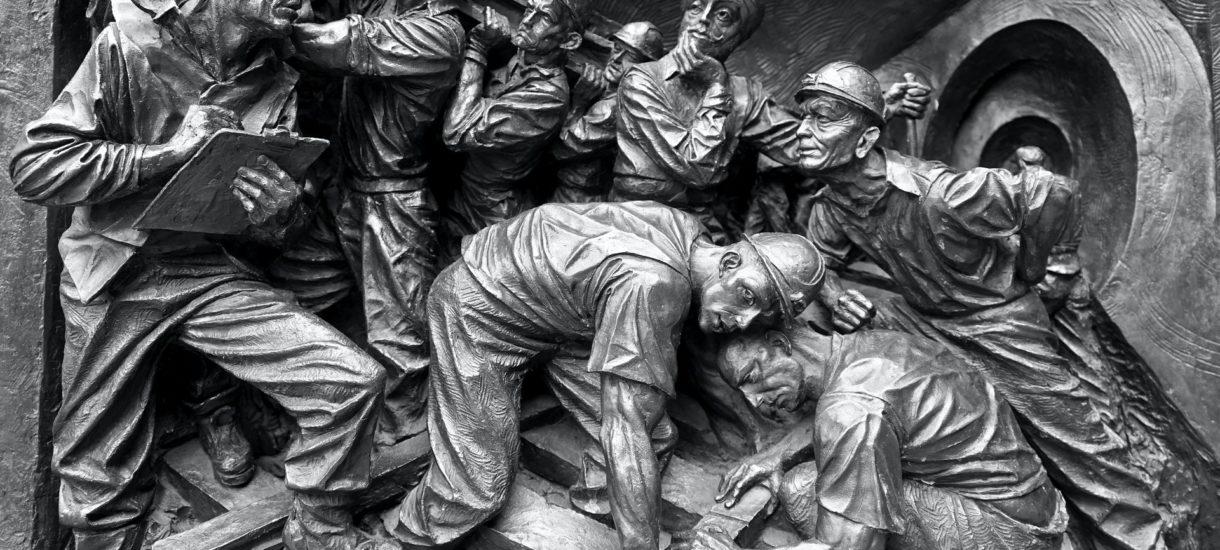 """Serialu o zamykaniu kopalni ciąg dalszy. Teraz wicepremier Sasin mówi, że to """"twarda konieczność"""""""
