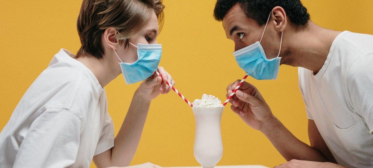 """Rzecznik MZ zapowiada nowe obostrzenia w związku z koronawirusem. """"Będą dotyczyły spotkań międzyludzkich, kontaktów"""""""