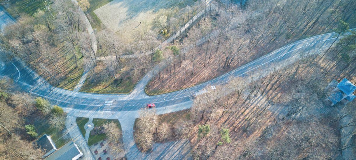 Ciekawy pomysł w Wejherowie: jeżeli będziesz jechać za szybko, to automatycznie uruchomisz czerwone światło