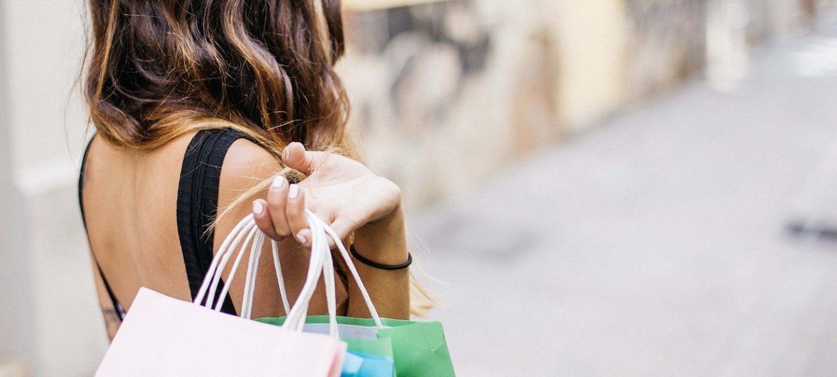 Tak dobrze jeszcze nie było – już 73 proc. internautów kupuje online. Czego Polacy szukają w sieci, na co zwracają uwagę i kto decyduje się na zakupy internetowe?