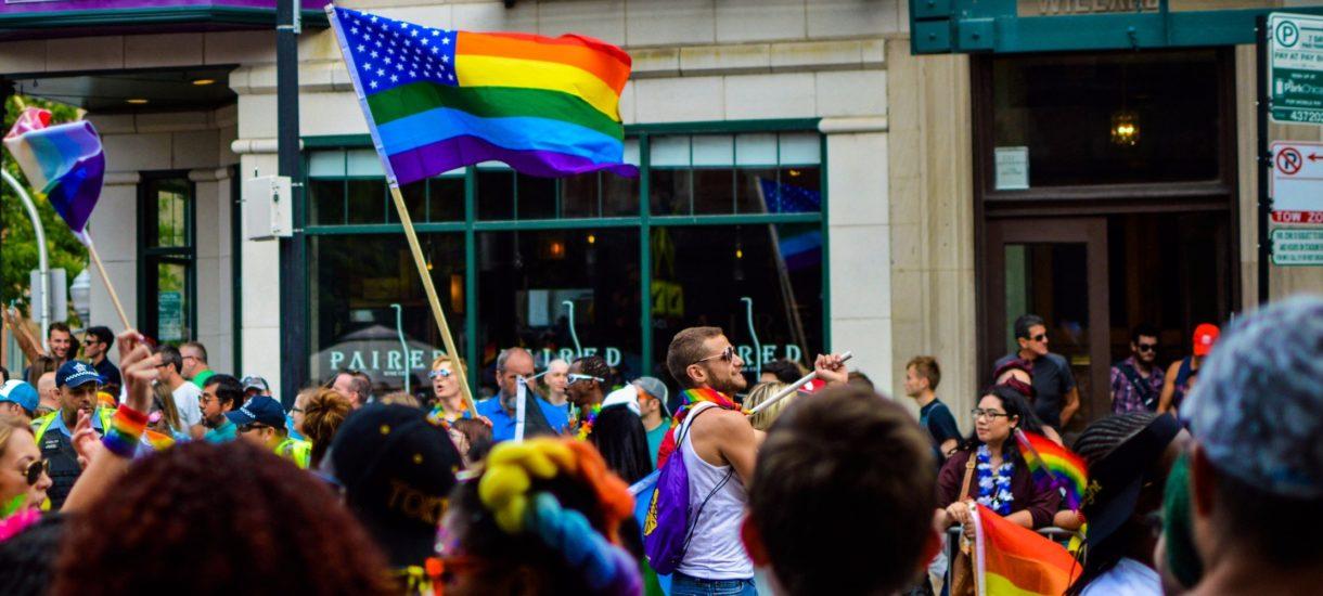 Strefy wolne od LGBT może i formalnie nie istnieją. Są za to strefy wolne od ideologii LGBT – to tak naprawdę żadna różnica