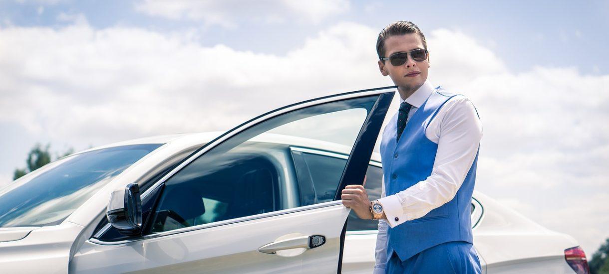 Nawet jeśli korzystasz z samochodu prywatnie, to i tak koszty amortyzacji czy ubezpieczenia wliczysz w całości w koszty firmowe