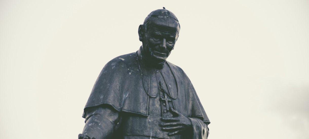Czy transmitowany przez TVP koncert papieski w Wadowicach był faktycznie wydarzeniem religijnym, a nie kulturalnym?