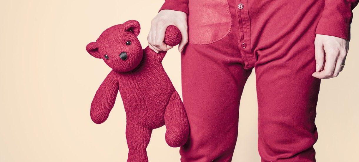 Neutralne płciowo ubrania to przyszłość – przekonuje znany projektant mody. Tylko czy konsumenci faktycznie są na to gotowi?