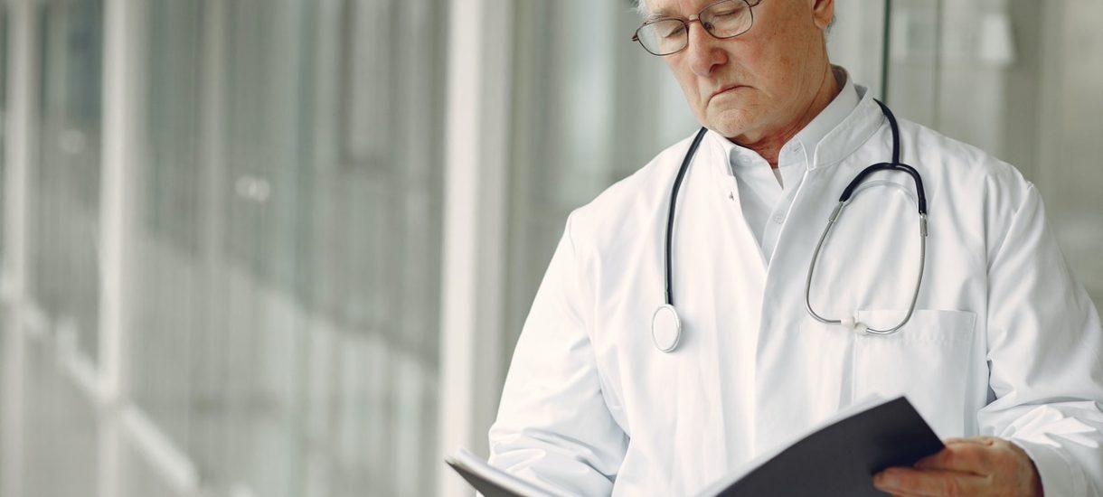 Resort Zbigniewa Ziobry współtworzy nowy system odpowiedzialności za błędy medyczne. Podobno chcą go sami lekarze