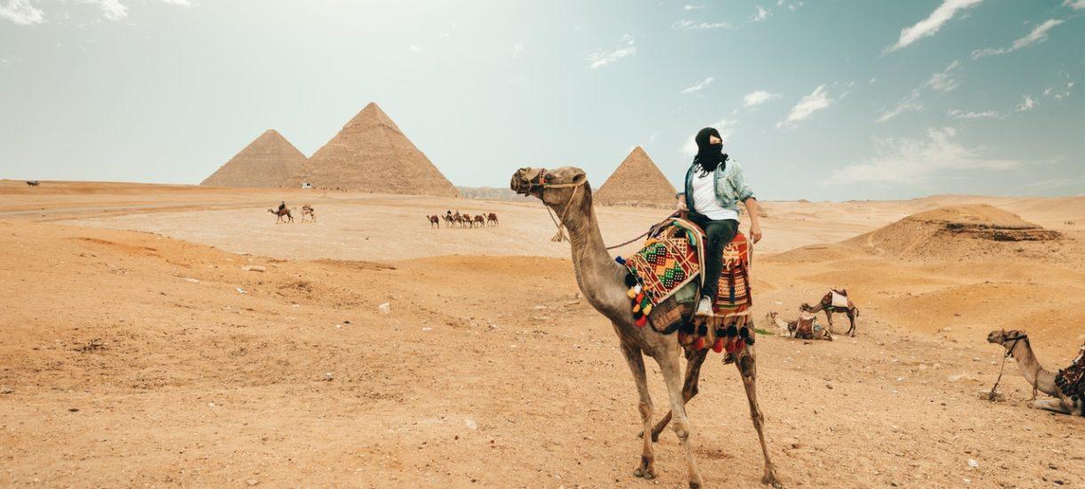Polacy zostali uwięzieni w Egipcie z podejrzeniem wirusa. Nikt nie miał objawów. Okazało się, że prawie wszyscy są zdrowi