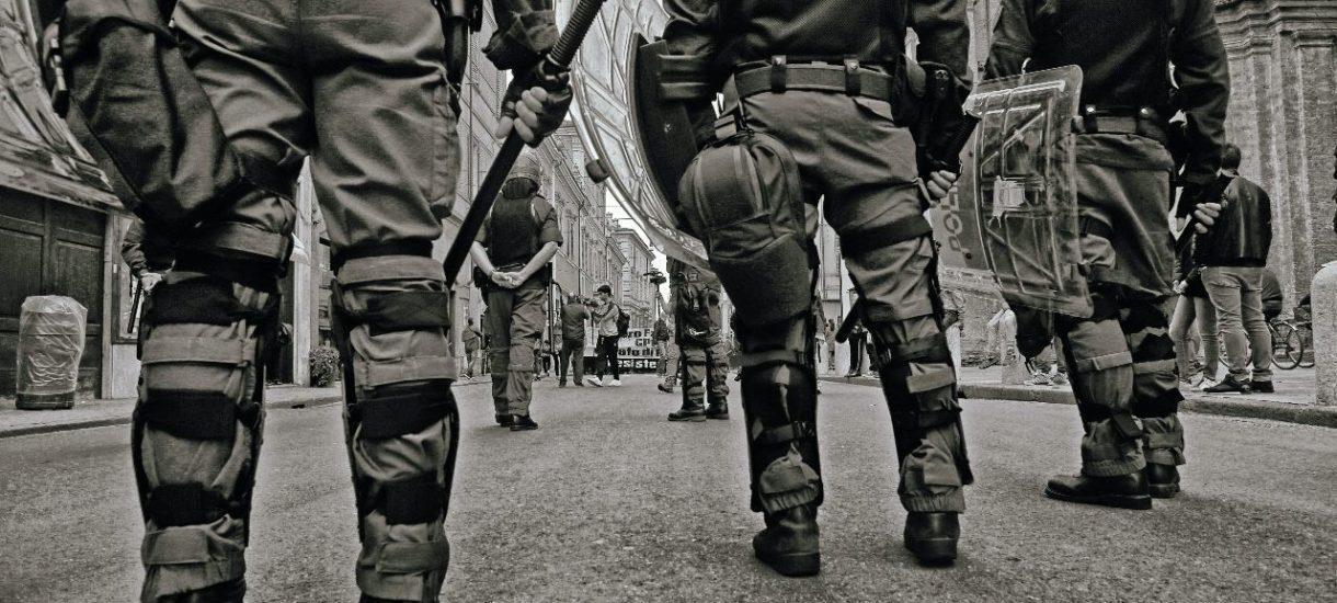 W czasie pandemii policja wyszkoliła ponad 2 tysiące nowych mundurowych. Ale nie są tak przygotowani, jak poprzednicy