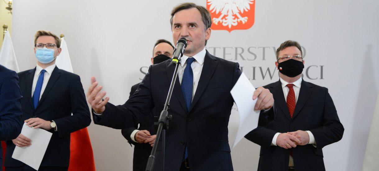 """Minister sprawiedliwości doradza premierowi by nie był """"miękiszonem"""". Bo dziś to de facto Zbigniew Ziobro negocjuje za nas unijny budżet"""