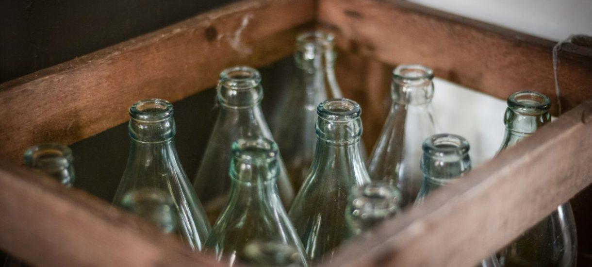 Zwrot butelek bez paragonu. Jedna z największych sieci marketów testuje długo wyczekiwane rozwiązanie w dziedzinie recyklingu