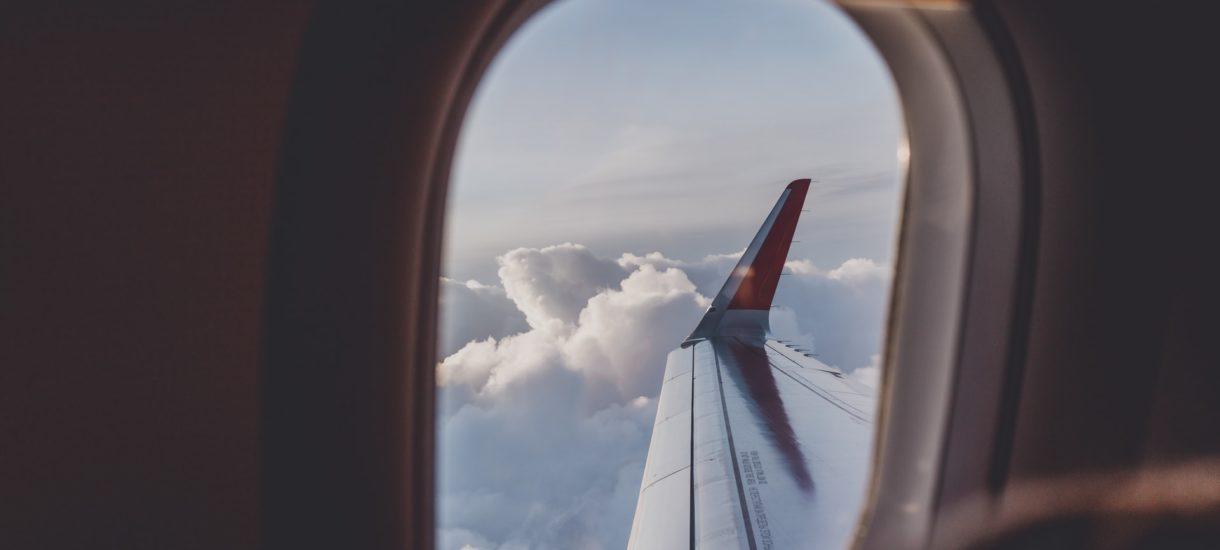 Ciekawy pomysł rosyjskiej linii lotniczej: karny rząd dla osób bez maseczek. Będą mogli chuchać na siebie nawzajem. Może wprowadzimy coś takiego w PKP?