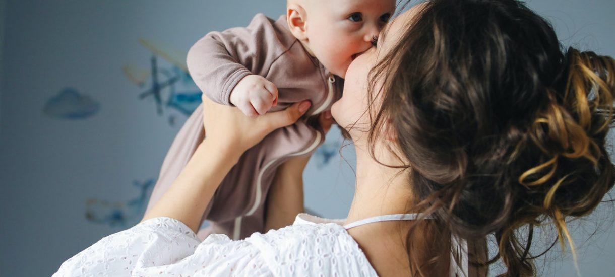 Zastrzeżenie urlopu macierzyńskiego tylko dla matek to niekoniecznie dyskryminacja. Zdaniem TSUE znaczenie ma cel takiej regulacji