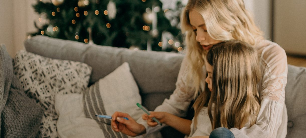 Czy kopiowanie życzeń świątecznych i wysyłanie ich znajomym to przestępstwo łamania praw autorskich?