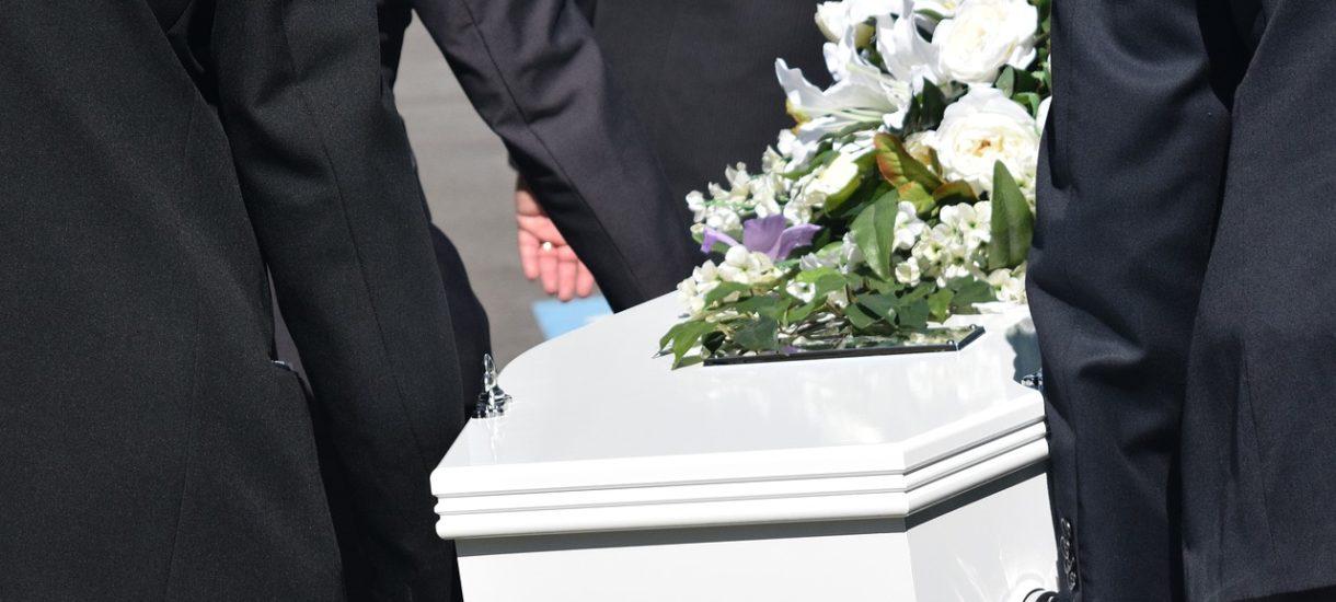 Fundacja Nowy Nazaret organizuje pogrzeb abortowanych płodów. 640 ciał pochodziło z warszawskich szpitali