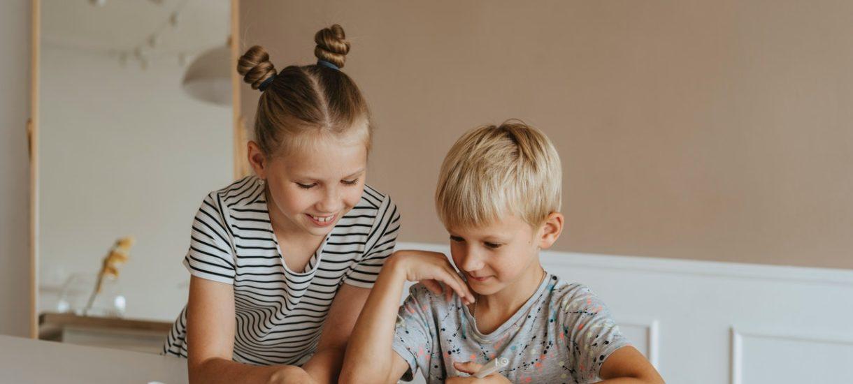 Rodzic składa wniosek – szkoła musi się otworzyć także dla starszego ucznia. Minister potwierdza, że to zgodne z prawem