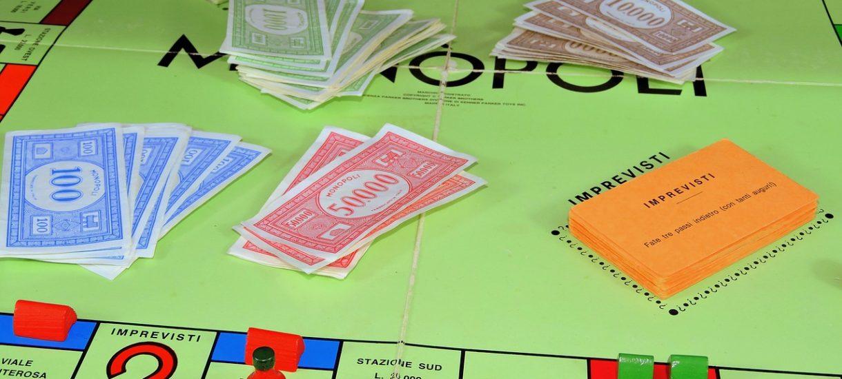 Płacenie zabawkowym banknotem stanowi poważne przestępstwo