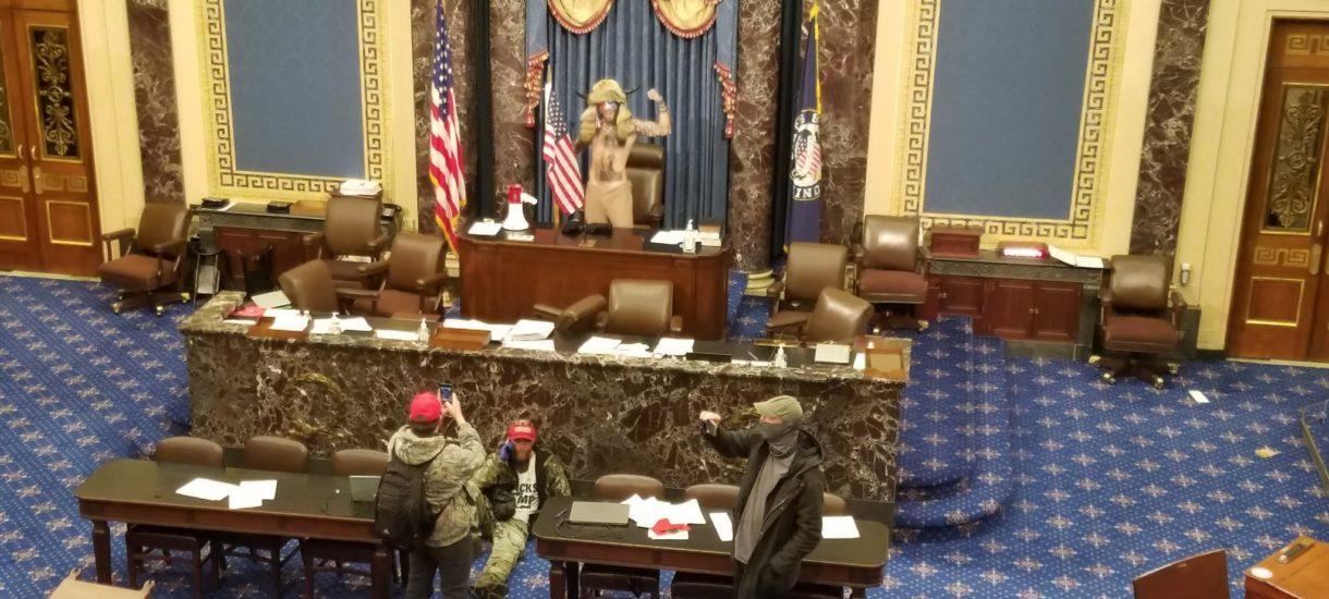 Zwolennicy Trumpa wdarli się do Kapitolu! W USA obrazki jak z kraju trzeciego świata