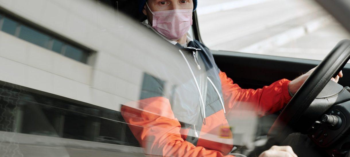 Obowiązkowe maseczki w samochodzie także po zakończeniu pandemii. Nowy plan niemieckich władz