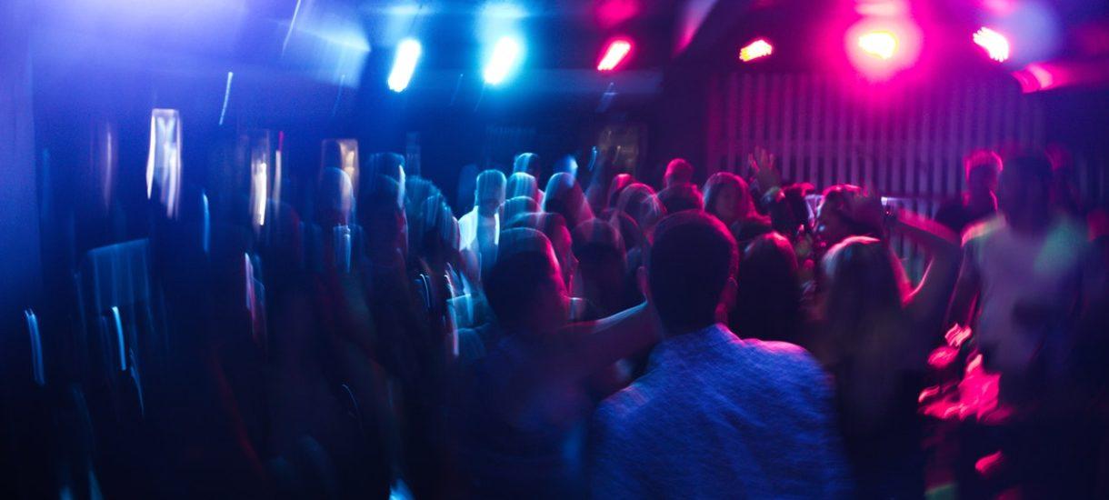 Właścicielowi klubu muzycznego, który wznowił działalność, postawiono zarzut. Grozi mu do 8 lat więzienia