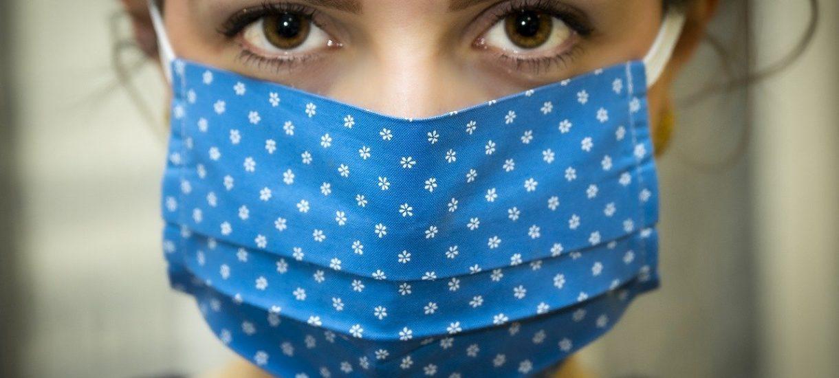 Prof. Horban: rząd zabroni noszenia niektórych maseczek oraz zakrywania nosa i ust czym popadnie
