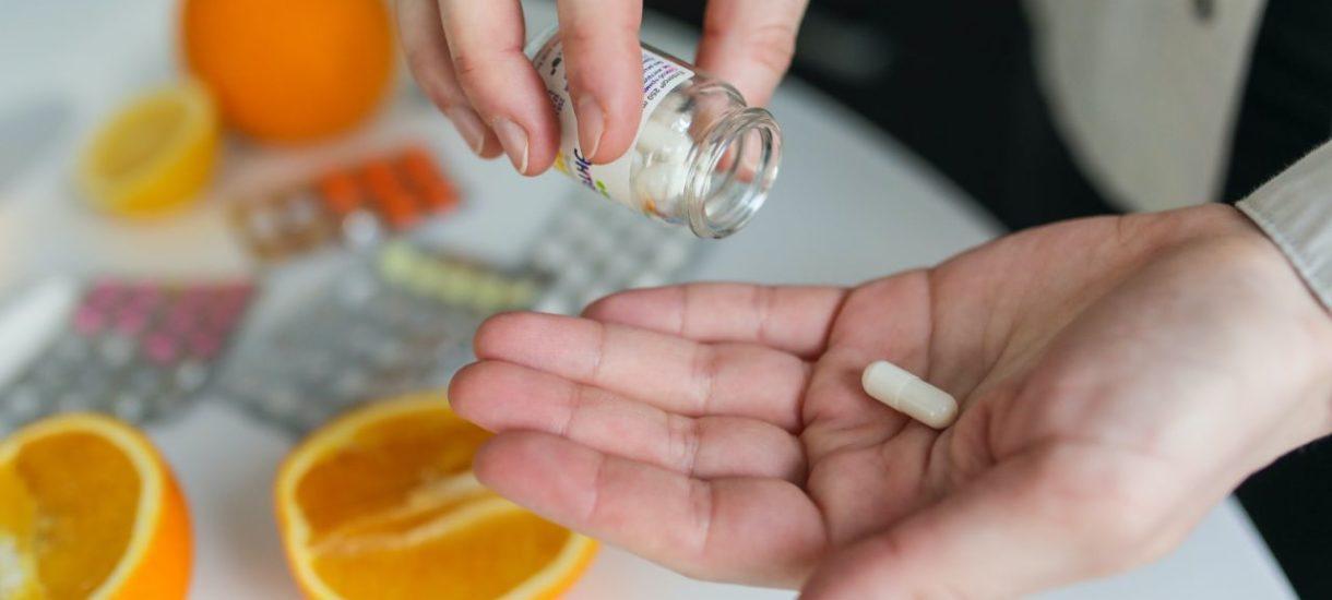 Pfizer stoi przed szansą stworzenia pierwszej kompleksowej terapii w walce z COVID-19