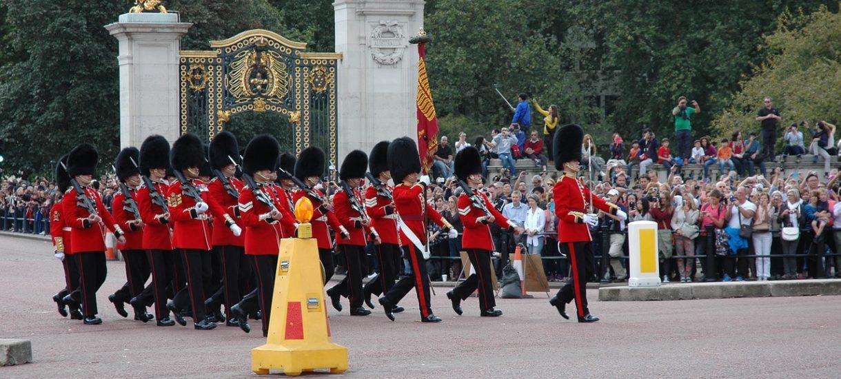 Rasizm, mobbing i kłótnie w rodzinie: brytyjska monarchia po raz kolejny pokazuje światu niezbyt eleganckie oblicze