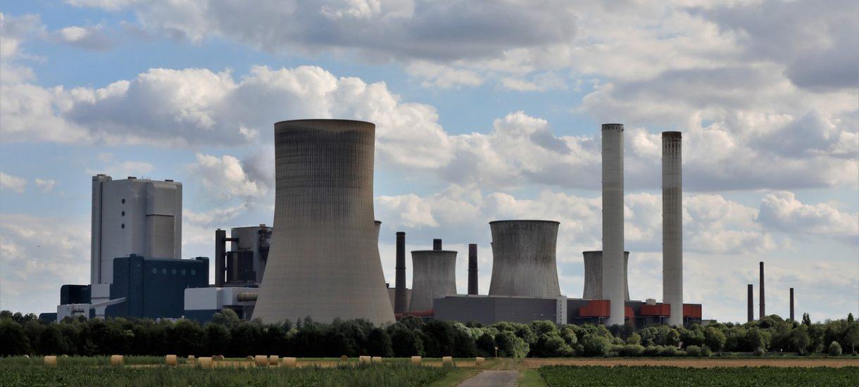 Elektrownia w Ostrołęce kosztowała do tej pory 1,5 miliarda złotych. Teraz trzeba wyburzyć konstrukcję