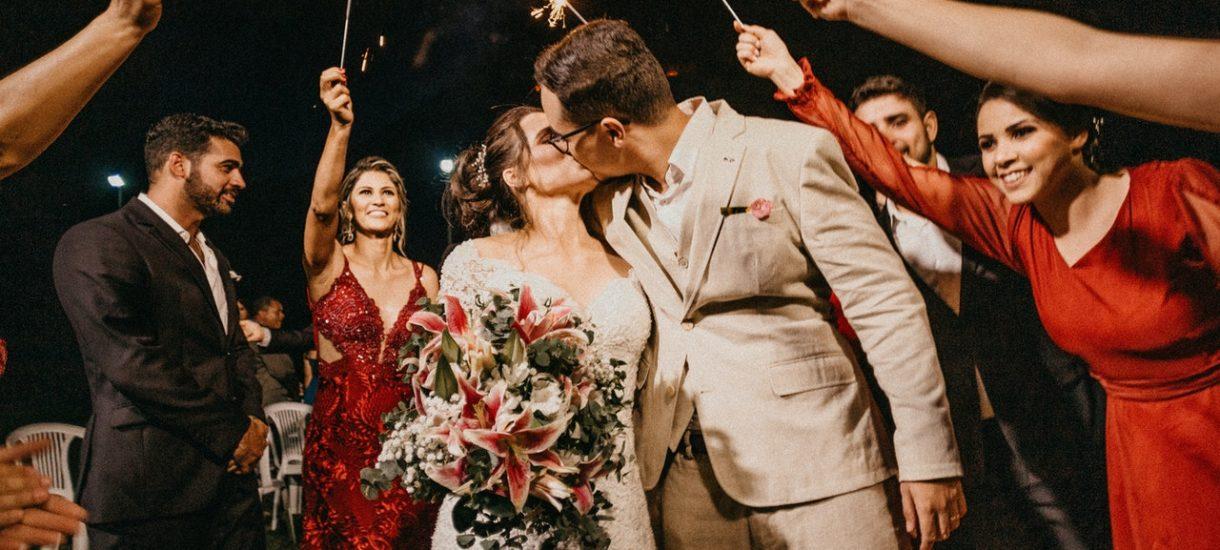 Możliwe, że szybciej pójdziemy na wesele niż do restauracji czy na siłownię. Wiceminister zdradza wstępne plany rządu