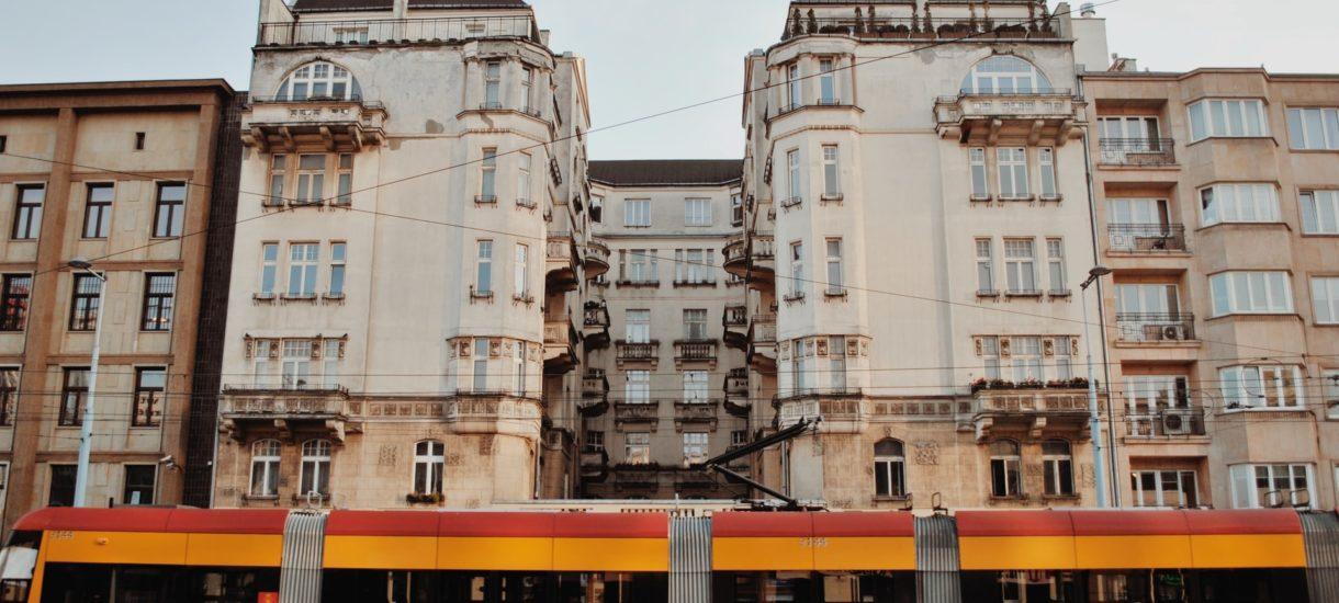 Kosmiczne ceny nieruchomości? Nie zawsze. W Warszawie sprzedano mieszkanie za… tysiąc zł za metr
