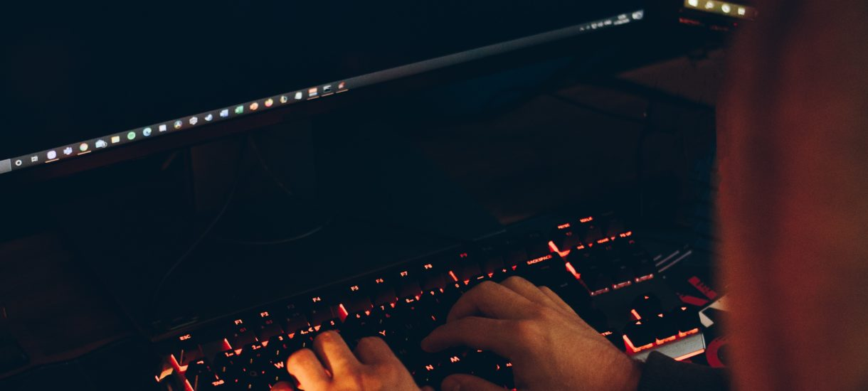 Kradzież konta Steam – zgodnie z polskimi przepisami – wcale nie jest kradzieżą. Ale sprawca przejęcia i tak może ponieść odpowiedzialność