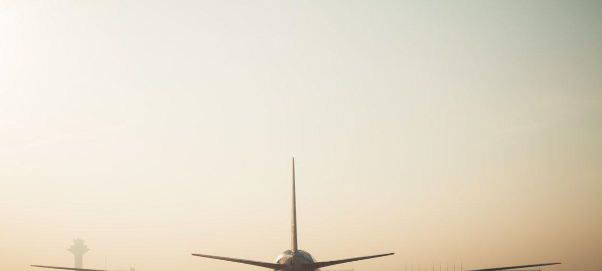 Kiedy linia lotnicza płaci za taksówkę? Zmiana miejsca lądowania samolotu nie zawsze daje prawo do odszkodowania