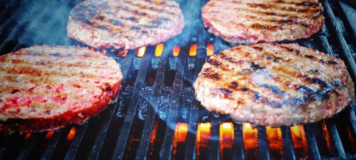 Rolnicy obawiają się, że UE zakaże produkcji mięsa. Póki co nie, ale moim zdaniem trzeba pytać kiedy to nastąpi