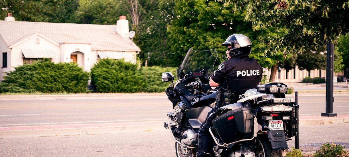 Kontrolę drogową może przeprowadzić nie tylko policjant. Uprawnionych do tego jest znacznie więcej