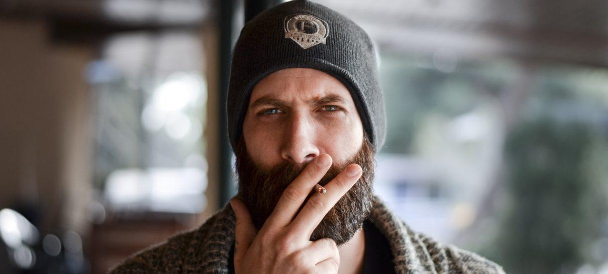 Zakaz palenia na balkonie staje się coraz bardziej prawdopodobny.  Ale może być trudny do wyegzekwowania