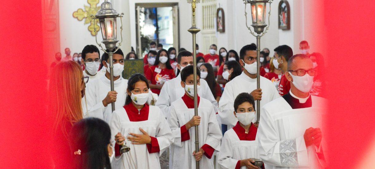 Episkopat prosi premiera o poluzowanie obostrzeń w kościołach. Pisze o dyskryminacji i o tym, że teatry mają dziś lepiej