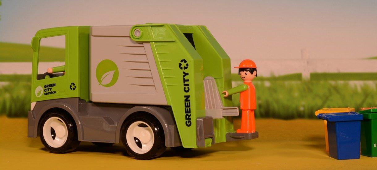 Obowiązkowa umowa na odbiór odpadów komunalnych bywa sposobem na łupienie przedsiębiorców