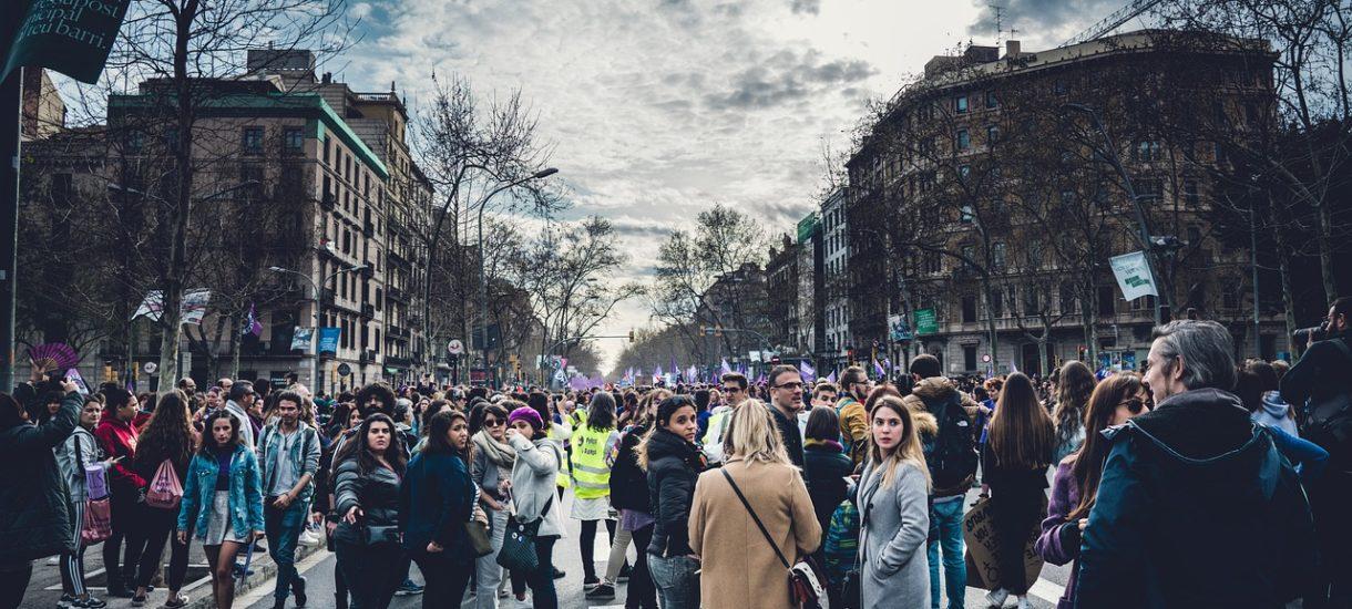 Na stadion może wejść 20 tysięcy ludzi, ale protesty wciąż są zakazane