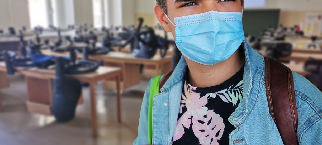 Nieuchronna czwarta fala epidemii na jesieni zmusza do refleksji nad tym, kiedy wrócimy do szkoły