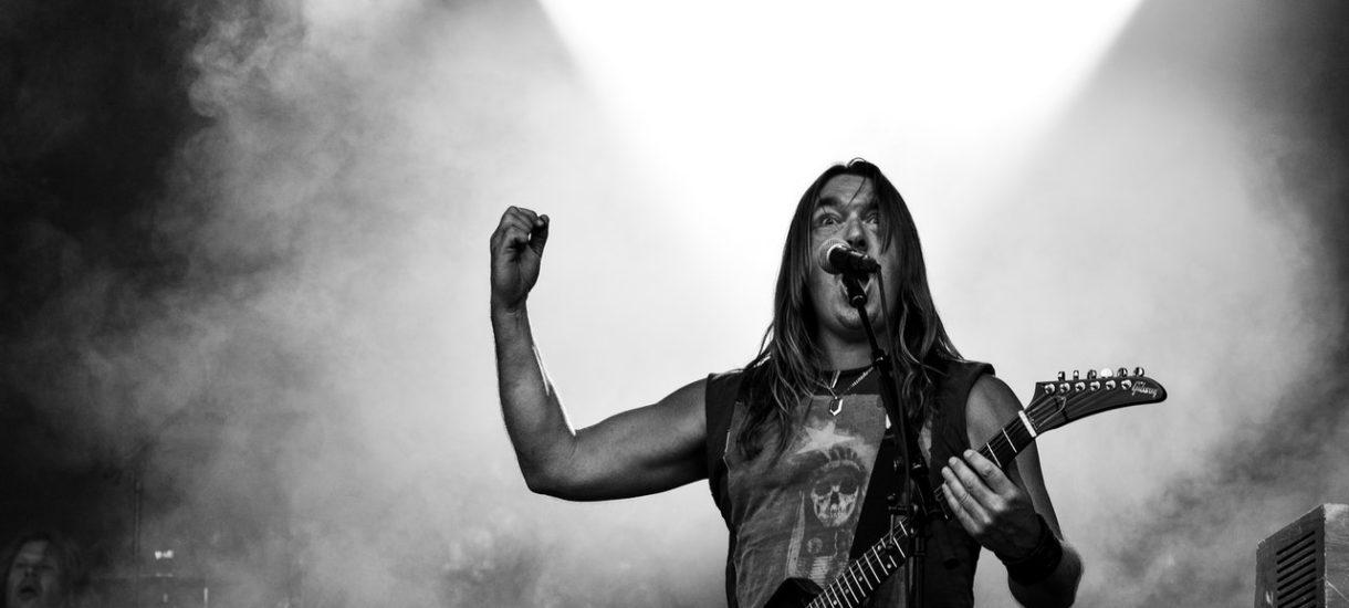 Znany muzyk rockowy wyraził publicznie żal, że sprzedał mniej płyt niż ma lajków na Facebooku