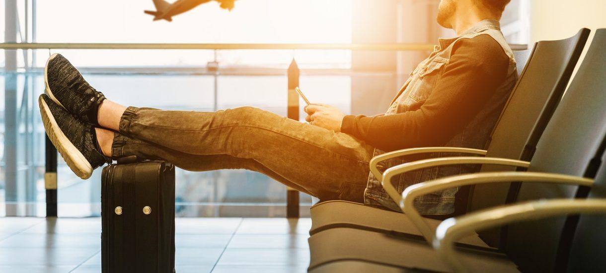 Linie lotnicze mogą sprzedać więcej biletów niż miejsc w samolocie. Overbooking jest zgodny z prawem