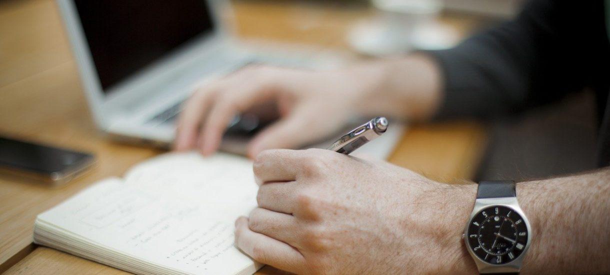 Zwolnienie z pracy mailem jest prawnie skuteczne, choć niepoprawne