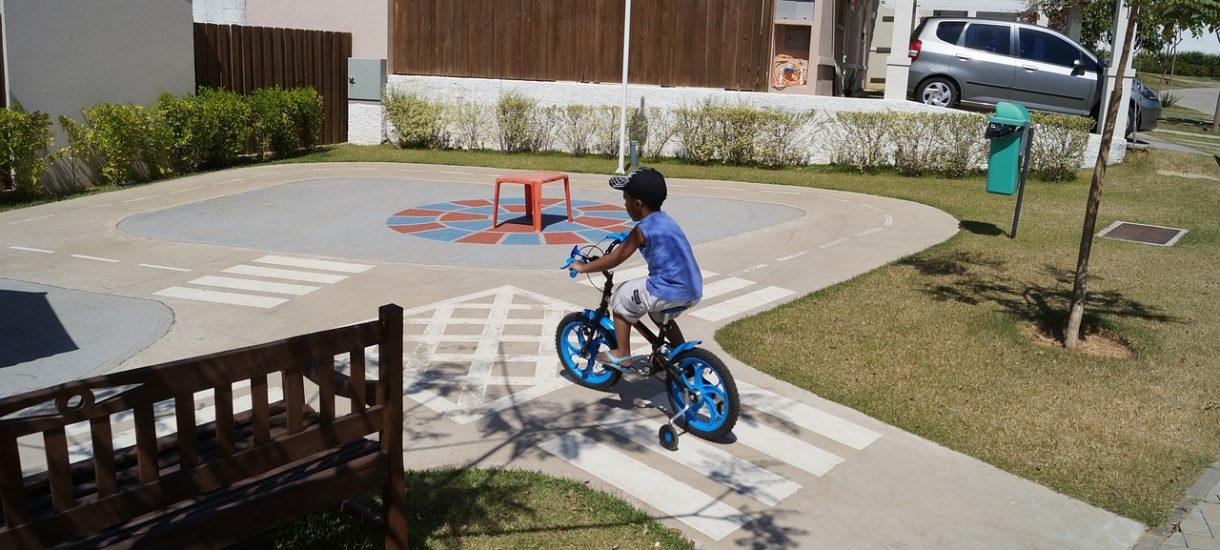 Straż miejska wystawi mandaty za zbyt szybką jazdę rowerem po chodniku
