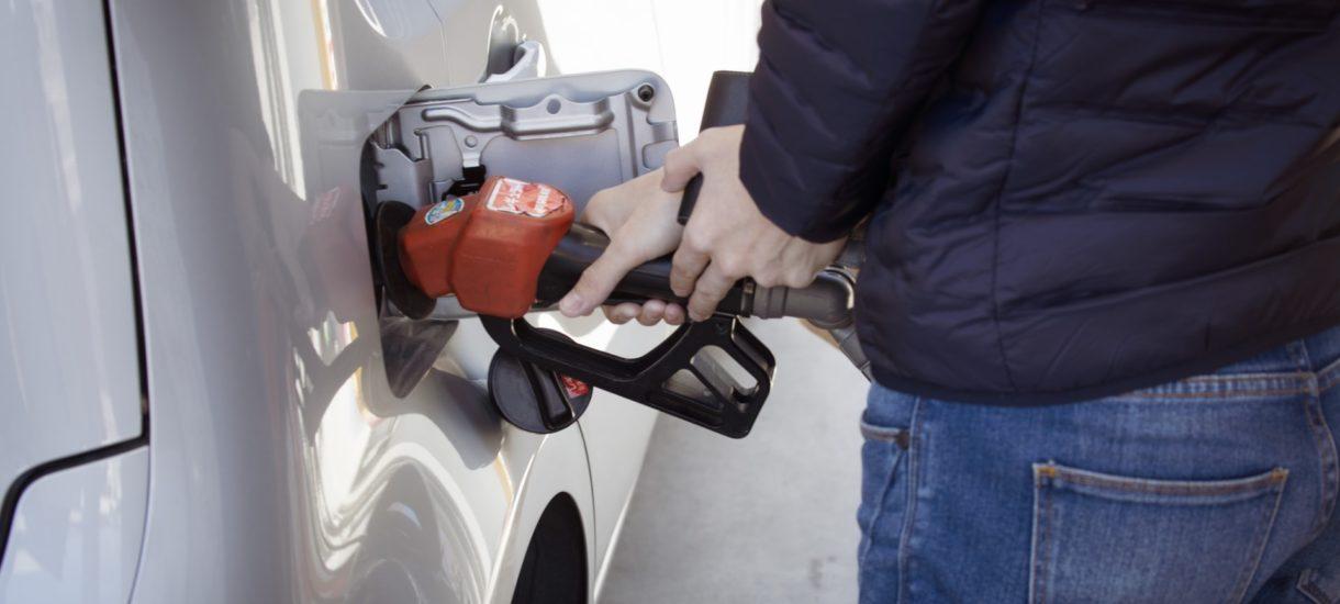 Przygotujmy się na rekordowe ceny paliw. Za chwilę będziemy tankować za ponad 6 zł